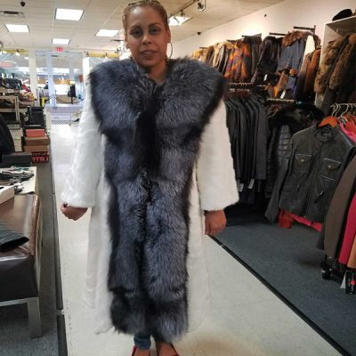 WOMEN'S-SHEARLING-OVERCOAT-WITH-LONG-FUR-COLLAR