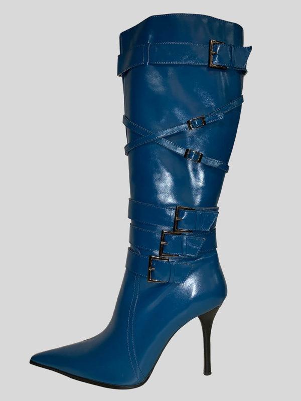 Women's blue boot with a standard goring