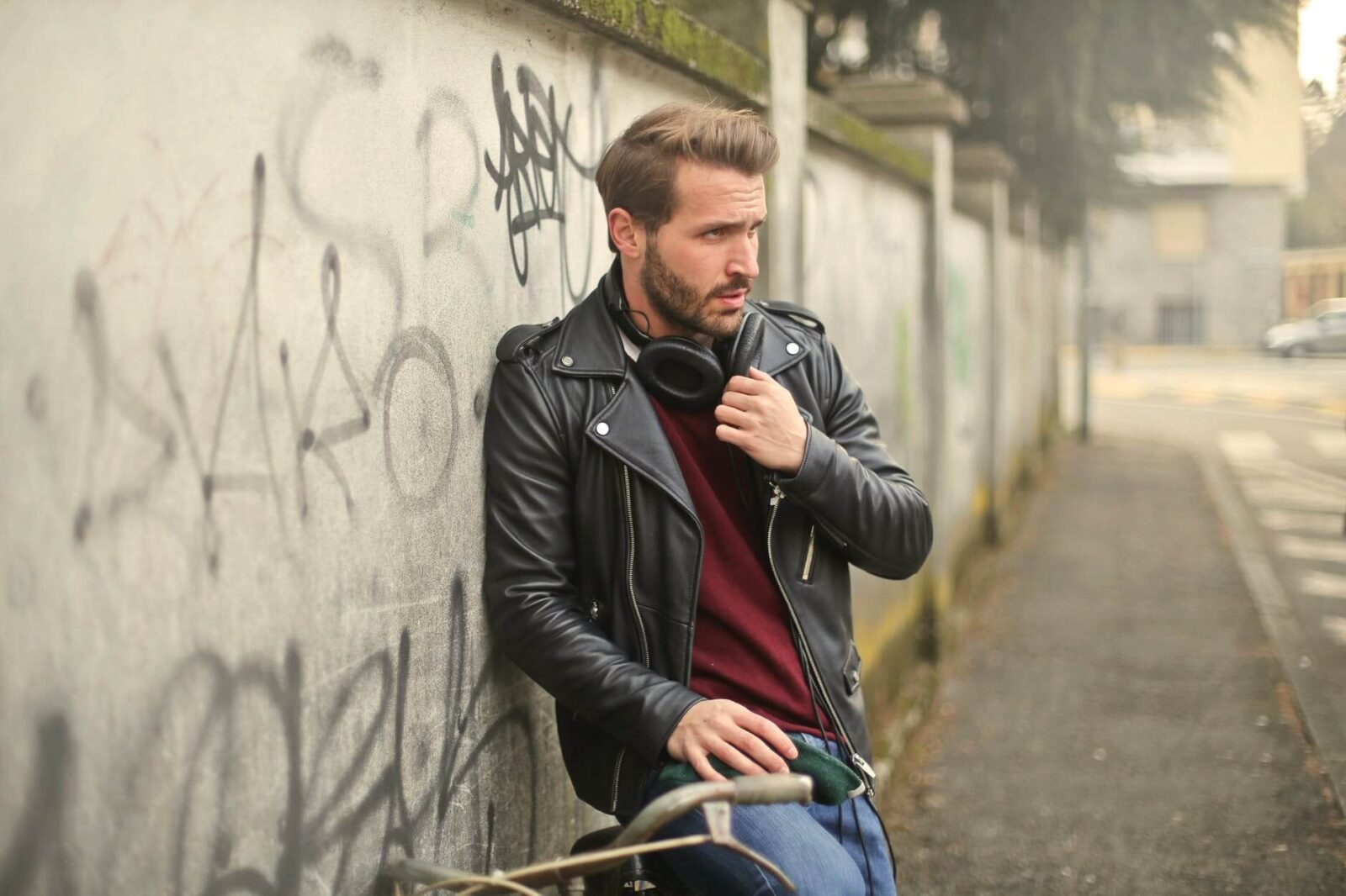 SOME EFFECTIVE TIPS TO BUYING A GENUINE LEATHER JACKET