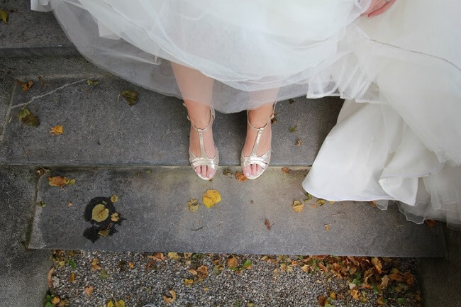TOP 3 USEFUL TIPS TO BUY THE PERFECT PROM SHOES