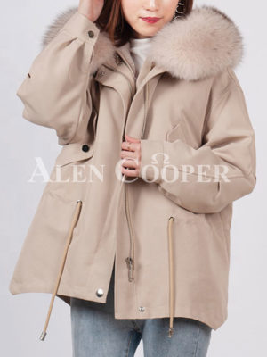 Fashionable women's custom fur hooded warm winter parka