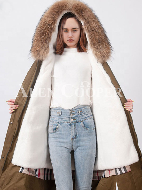 Highly stylish voluminous real fur hooded winter parka for womens