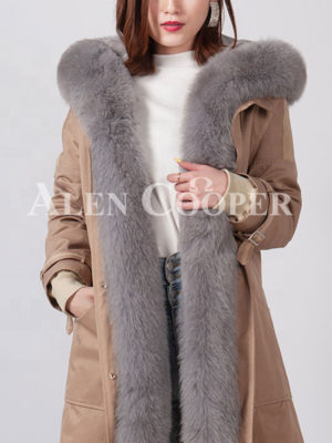 Real fur hooded and long collar durable winter parka for women