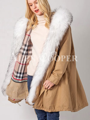 Real fur lined and long collar women's luxury winter parka
