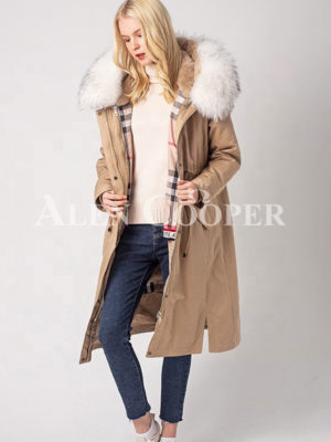 Women's breathable and comfortable real fur hooded winter parka