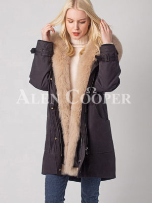 Women's long and casual food hooded winter parka in black