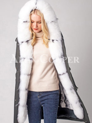 Women's thick warm winter fashionable parka with long raccoon fur collar