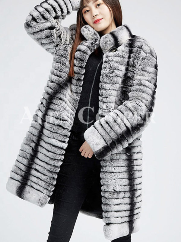 Highly fashionable and luxury long warm winter real fur coat for womens
