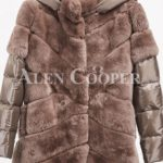Stylish real fur coat with detachable hood and polyester sleeves camel