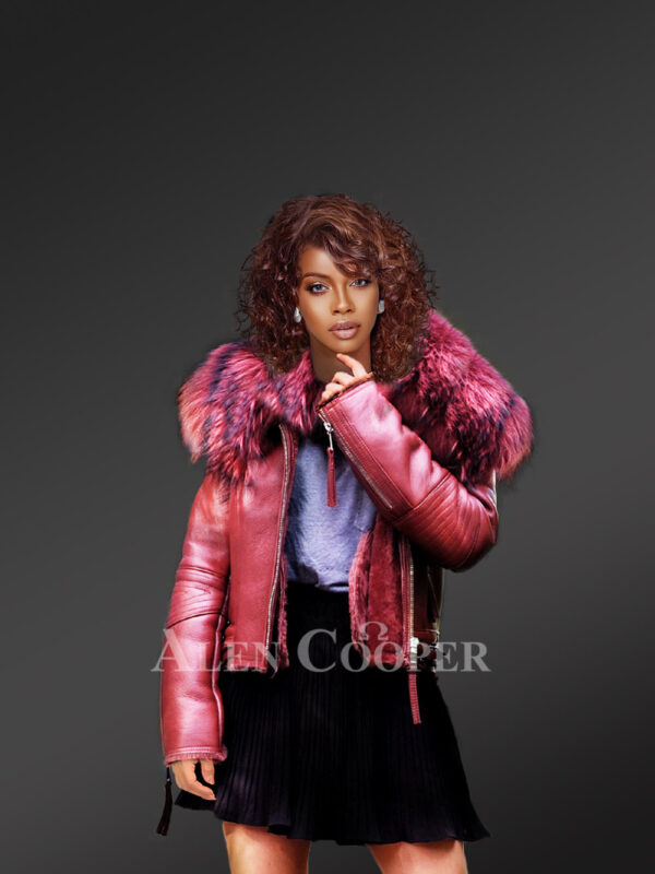 Women's super stylish super soft super warm real leather jacket with raccoon fur collar in red New