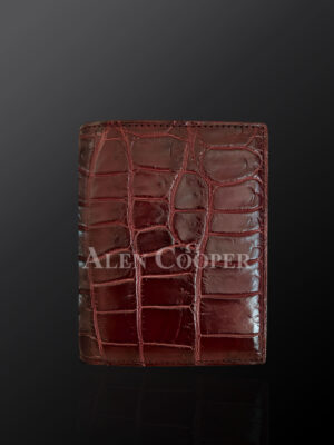 Stylish alligator skin wallets to revamp your identity
