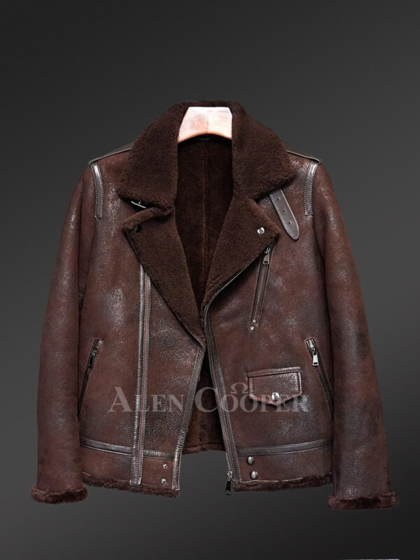 Authentic shearling coats in brown radiates manly aura