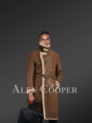 Men's authentic shearling long coat in brown for greater charm