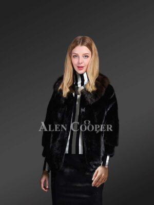Black mink fur jacket with striking collar for trendier womens
