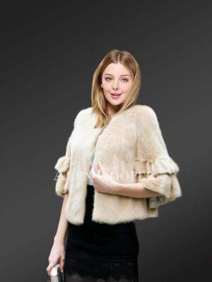 Genuine fur coats to make women more elegant in winter