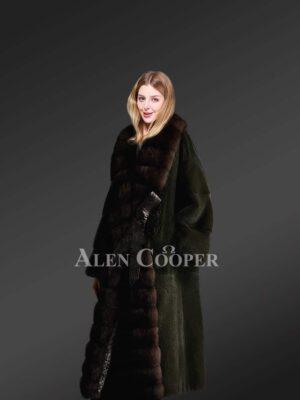 Genuine mink fur long coat in black for stylish women