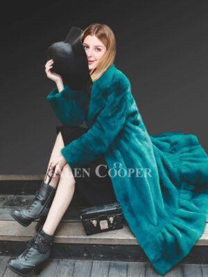 Women's Appealing Winter Coat Made With Genuine Mink Fur